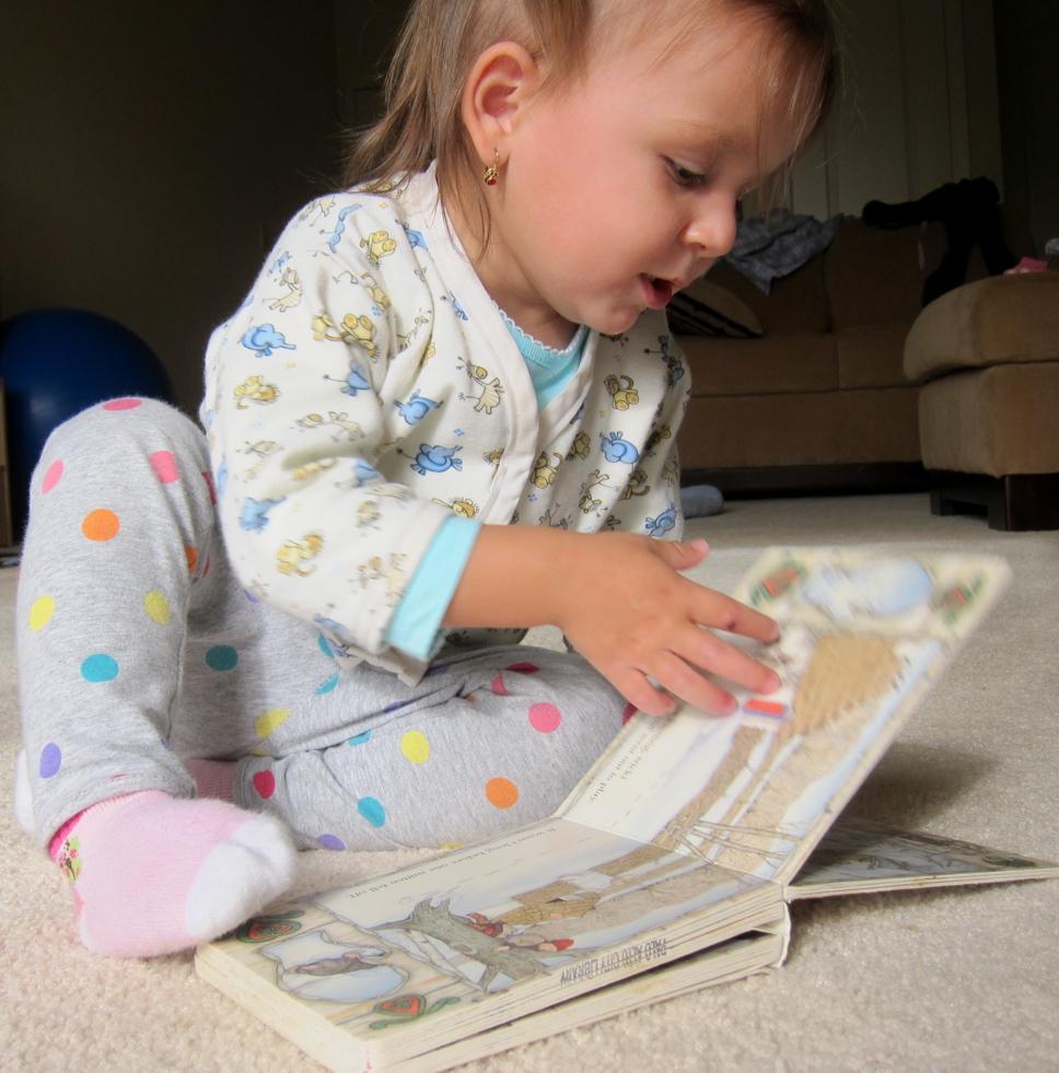 reading_mittens