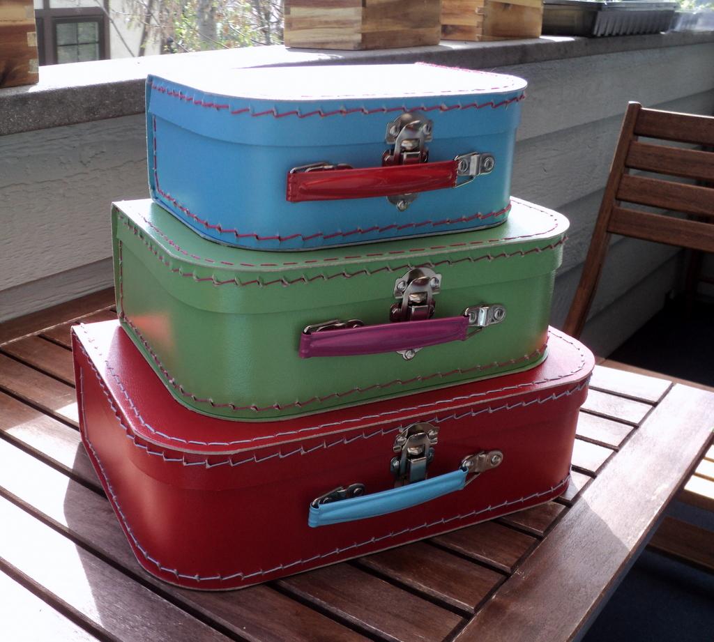 euro_suitcases_2