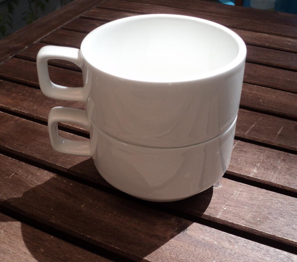 white_teacups2