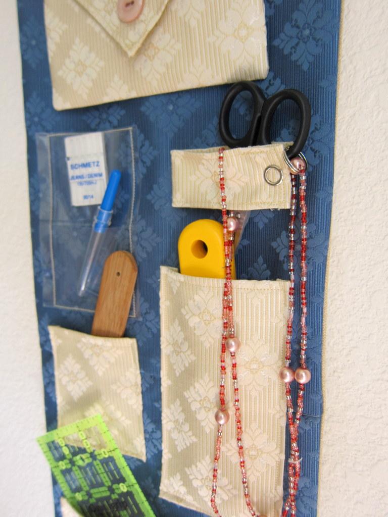 hanging wall organizer1