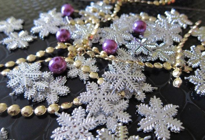 garland beads