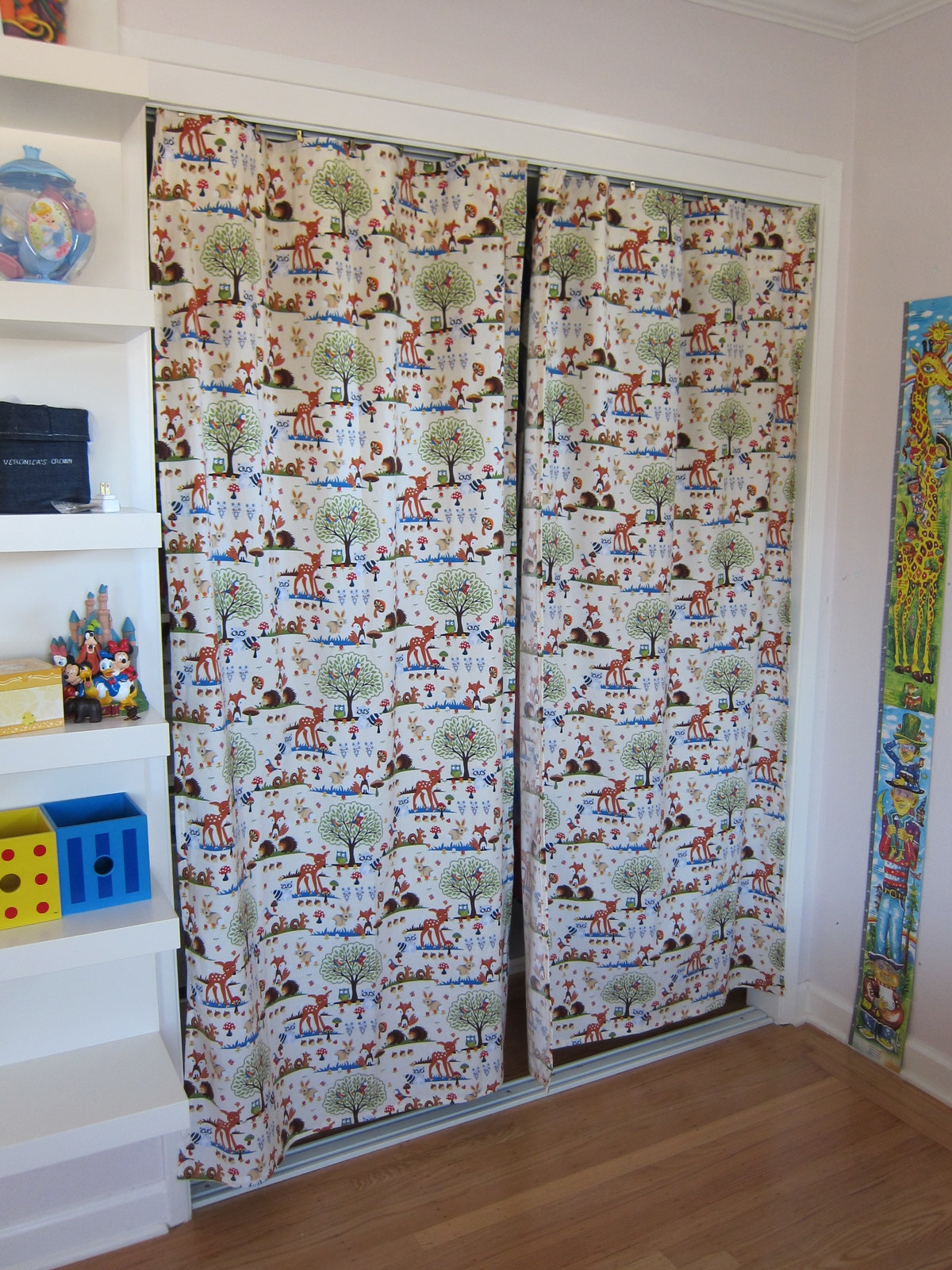 Sewing project curtains for the kids room margarete for Curtains for kids room