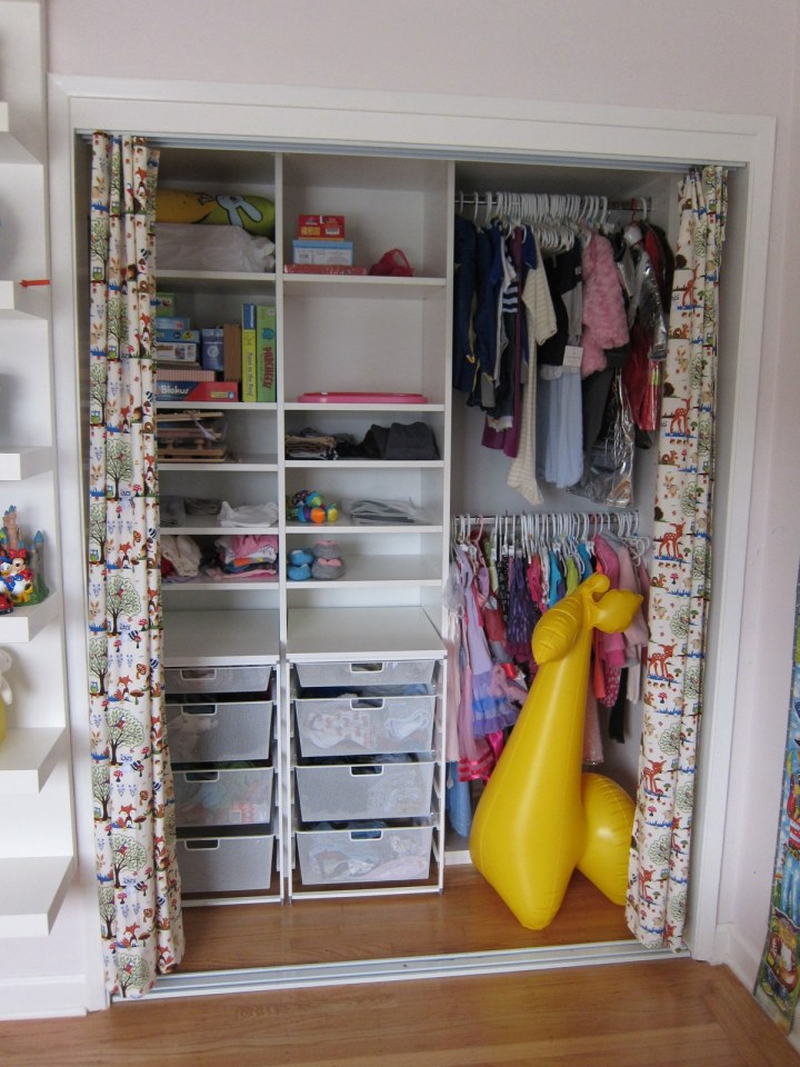 kids closet without doors