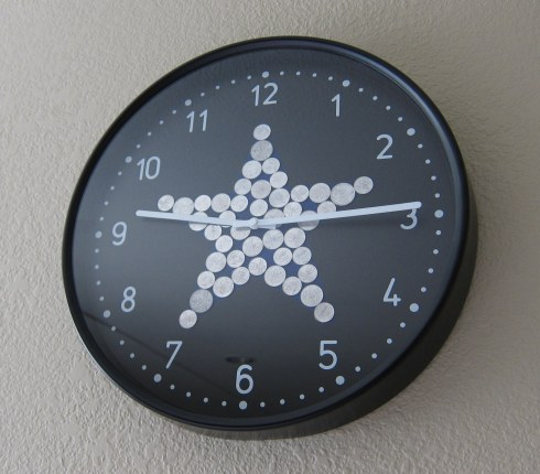 Bondis clock with star