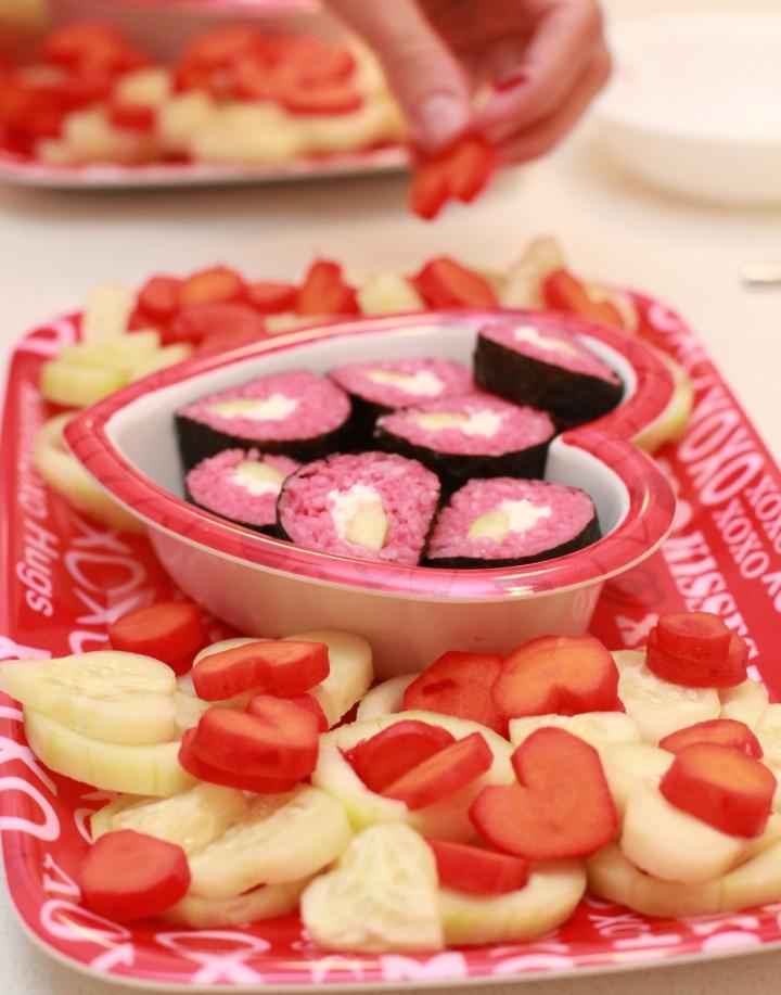 valentine sushi platter